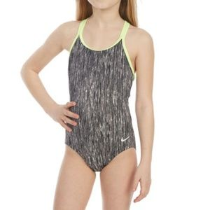 NWT Nike girls' SPIDERBACK ONE-PIECE SWIMSUIT